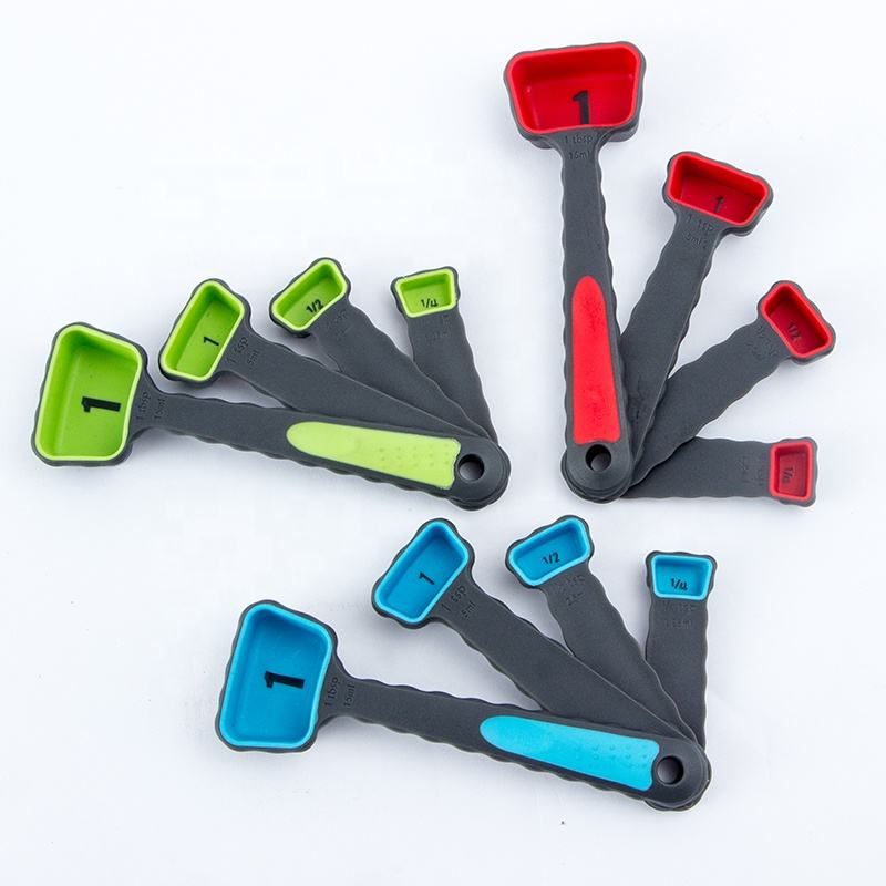 Wholesale Multicolor Multiple sizes Durable Portable Silicone Measuring Cups and Measuring Spoons