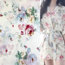 WI-A08 Fashion design white fabric flower printing chiffon fabric for women's dress