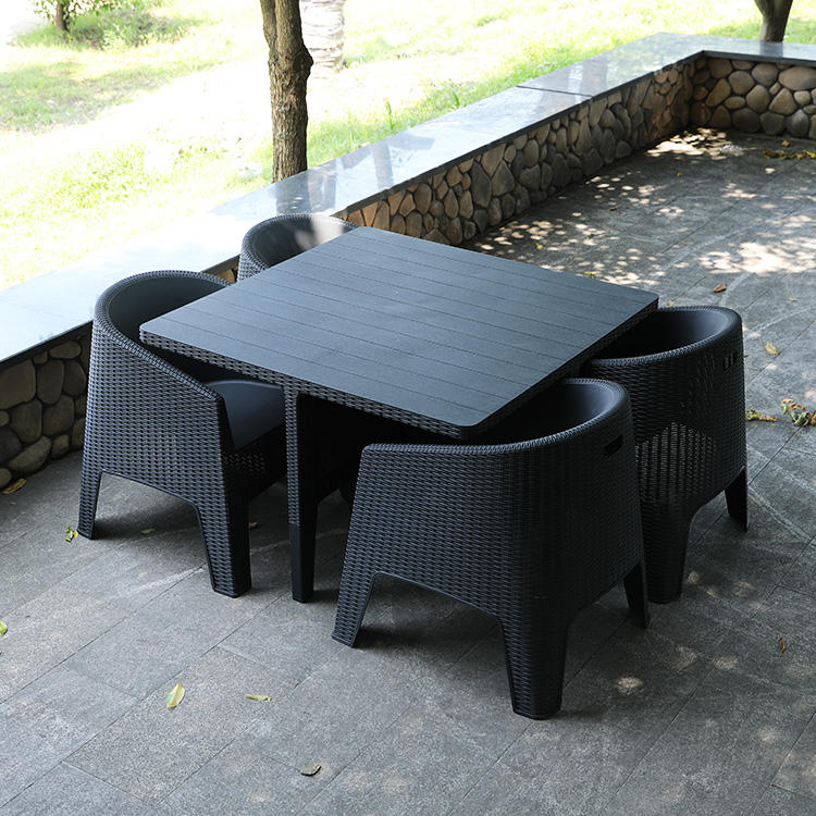 Rotan Taman Patio 4-seater Resin Outdoor Dining Set