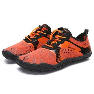 Factory wholesale men's and women's Aqua water pool shoes hiking water shoes cheap breathable fitness five-finger shoes