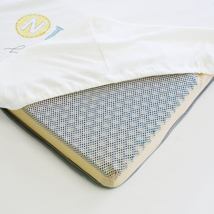 2019 Newest Grid-like gas permeable structure TPE Zero pressure gel pad Portable Baby mattress