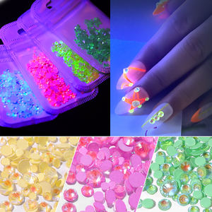 Hot nail art mixed size glow in the dark AB kleur ronde crystal nail art plaksteen