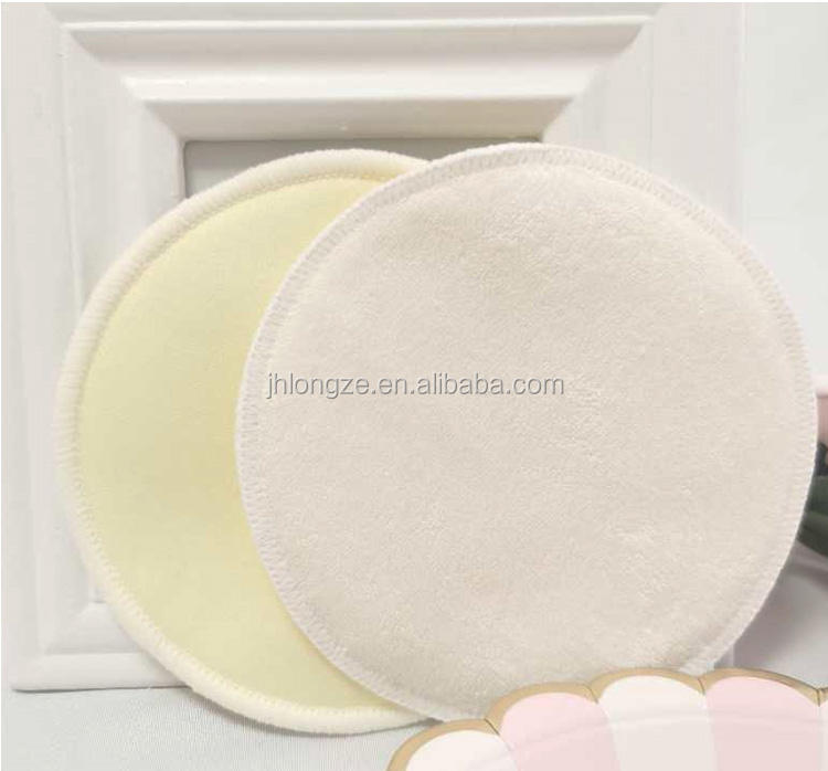 The waterproof feeding pad of bamboo cotton for new mothers can be washed and reused to prevent overflow