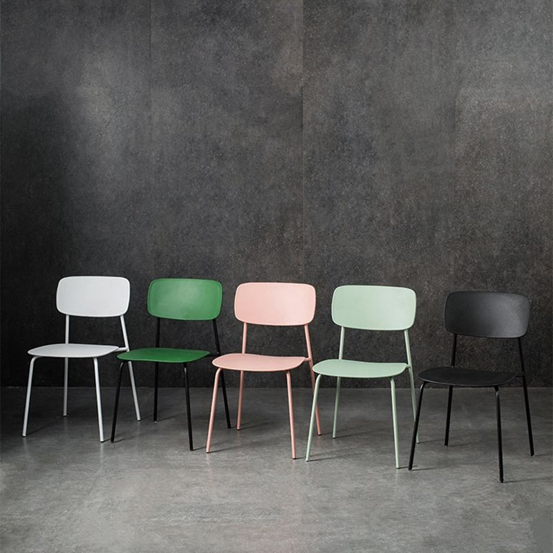 Colored PP Modern Cheap Wholesale Stackable Ergonom Plastic Chair With Metal Tube