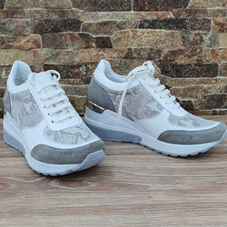 Woman Genuine Sport Shoes from Manufacturer