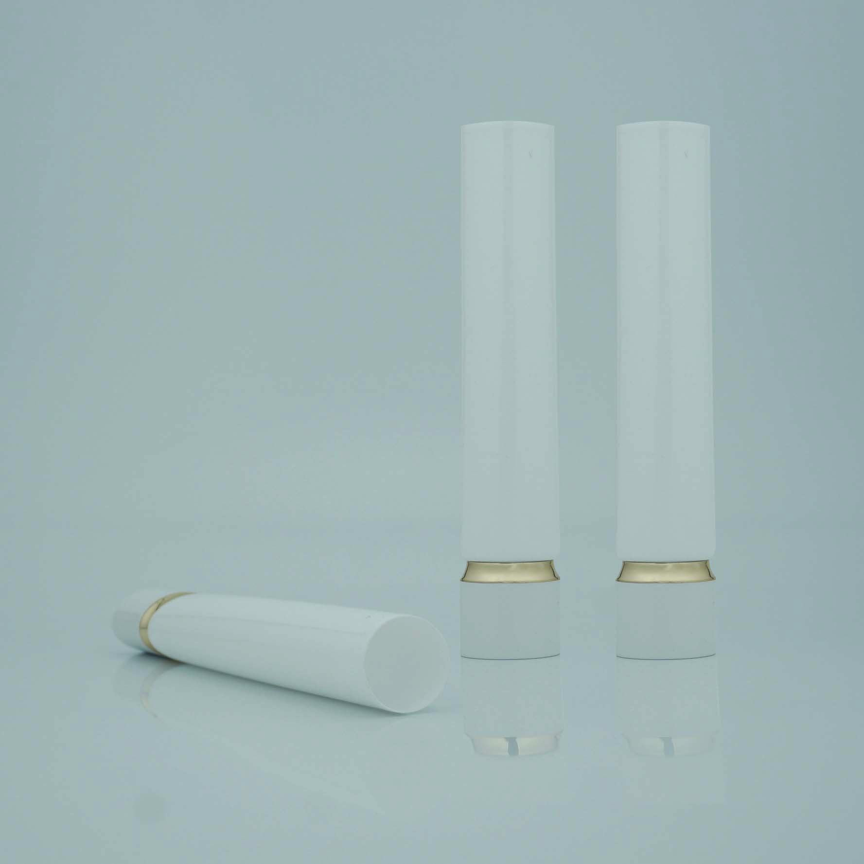 Clear Long Nozzle Cosmetic Plastic Tube With Long Nozzle Screw Cap