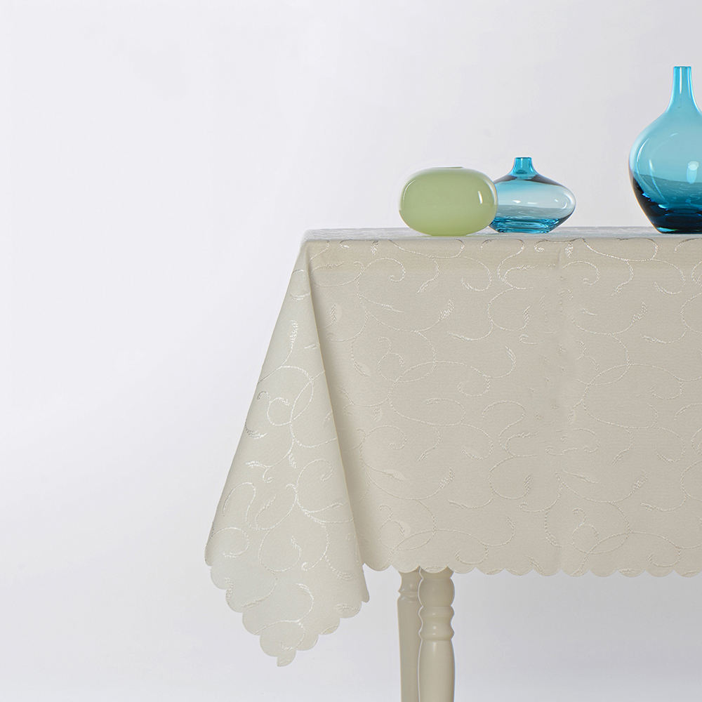 50% Polyester to Disposable Tablecloth Made in Turkey