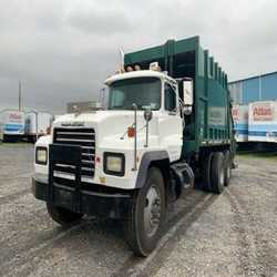 Brand Used 2004 MA-CK RD 690S 25 YD REAR LOAD GARBAGE TRUCK  Available in Best Condition