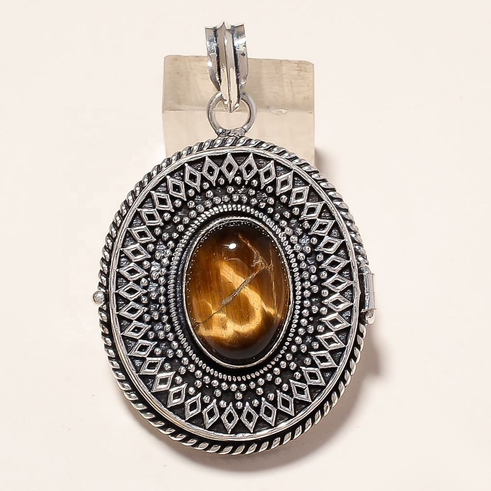 Oval Shaped Beautiful With Turquoise Gemstone Sparkling Crystals Natural Simple Attractive Brass Box Stone Pendant