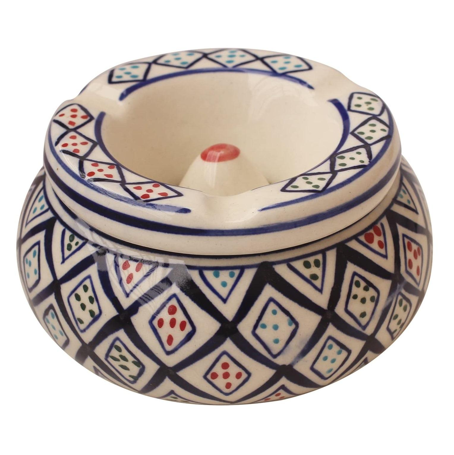 Ceramic abhandicrafts, Outdoors and Indoors Desktop Ashtray, for Home and Office Decoration