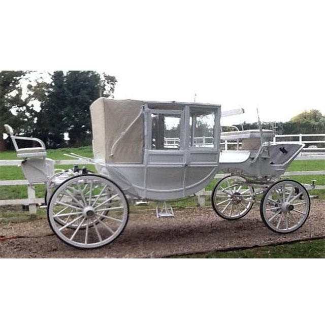 Modern White Touring Horse Drawn Buggy White Covered Victorian Horse Carriage/Chariot Fantasy Victoria Horse Chariot For Touring