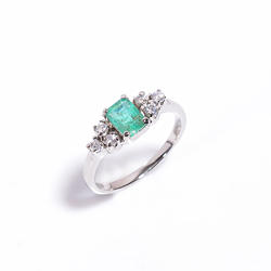 Elegant Emerald CubIc Zirconia 925 Sterling Silver Handmade Ring For Women And Girls