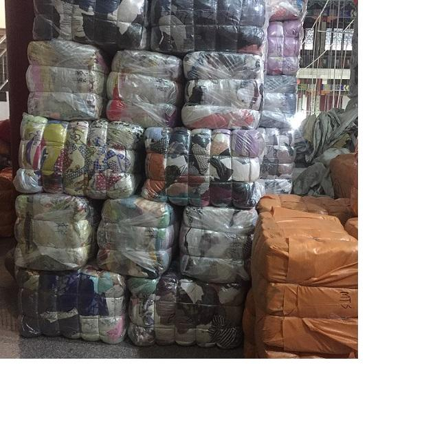 Buy Fashionable used clothes men and female, Summer/Winter clothes Exporting
