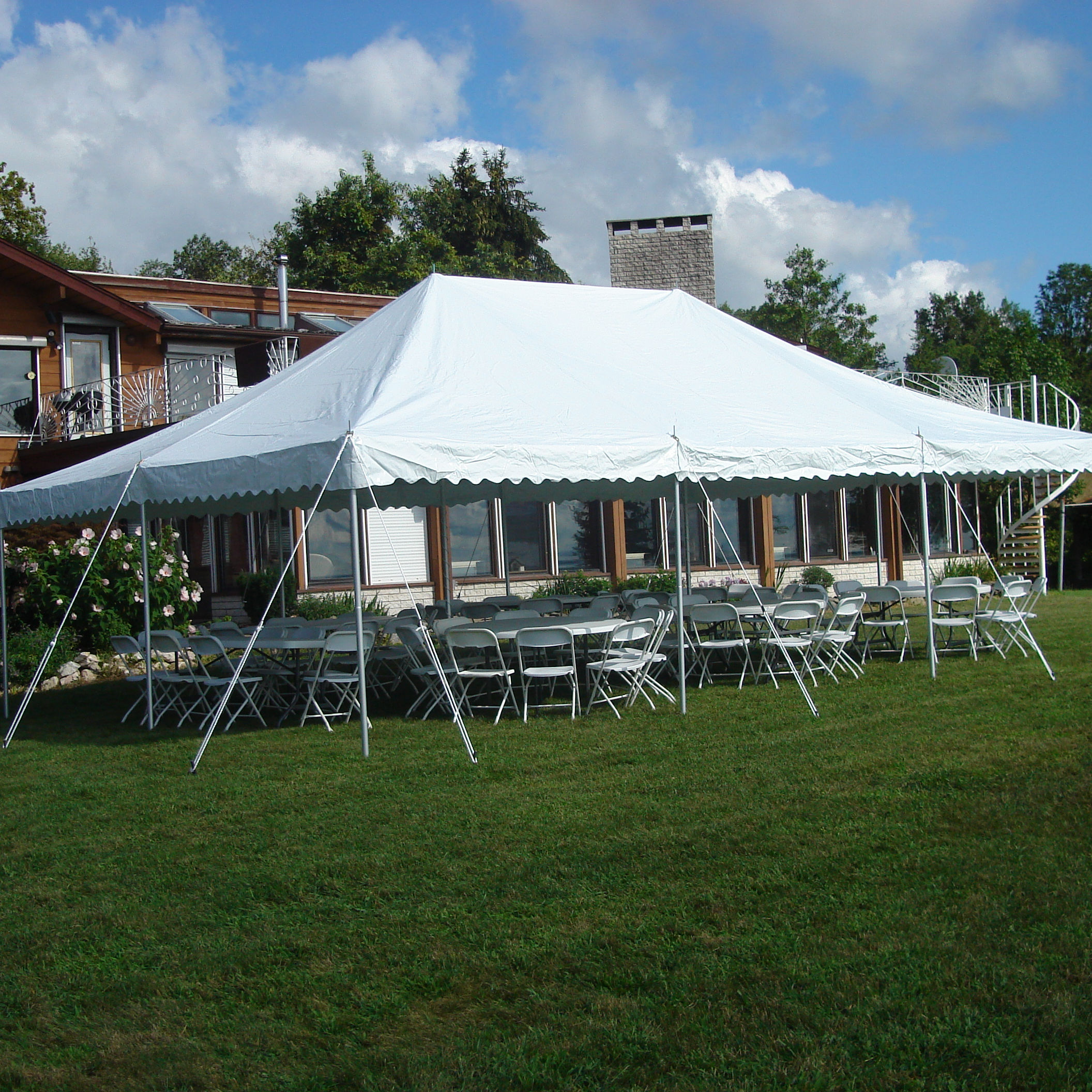 Professional Design Cheap Guangzhou Trade Wedding Party Pole Tent