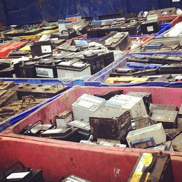 Battery Scraps High grade Car battery Drained lead battery scrap for sale