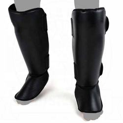 Black Color Professional High Quality Genuine and Artificial leather material training leg protector shin pads FSW-22018