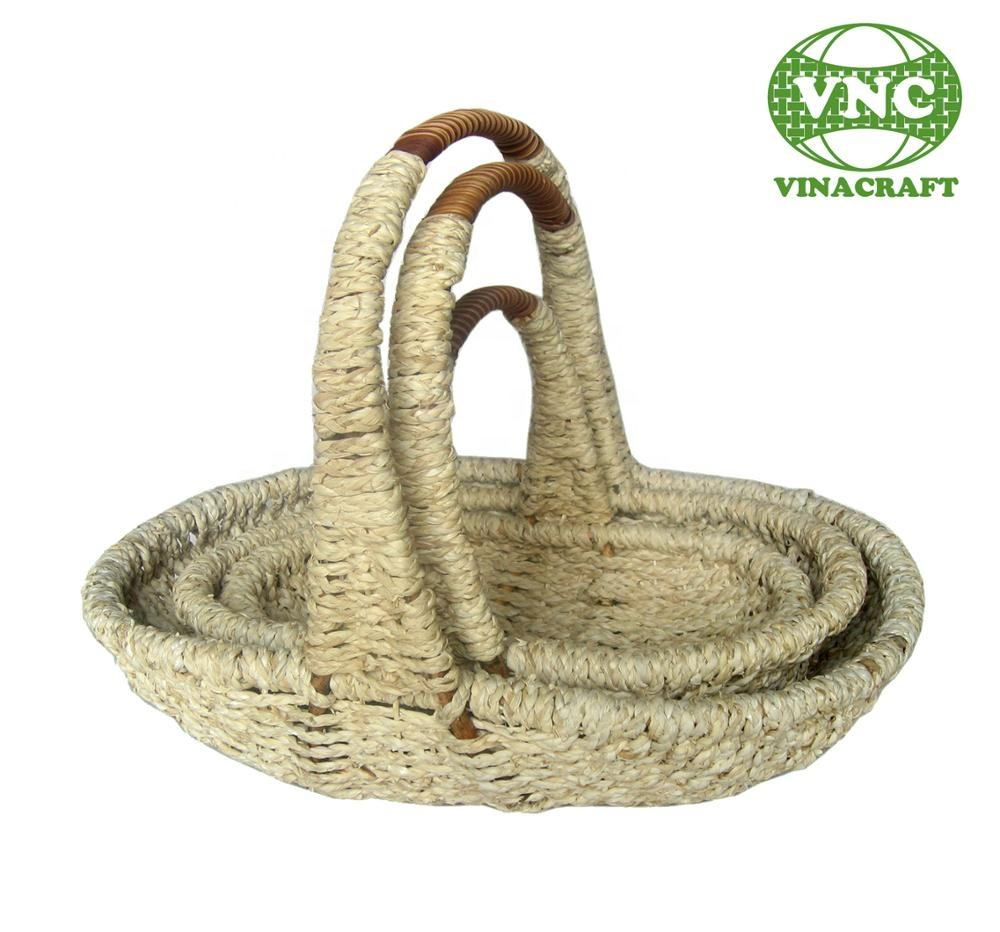 Corn leaf fruit basket for home