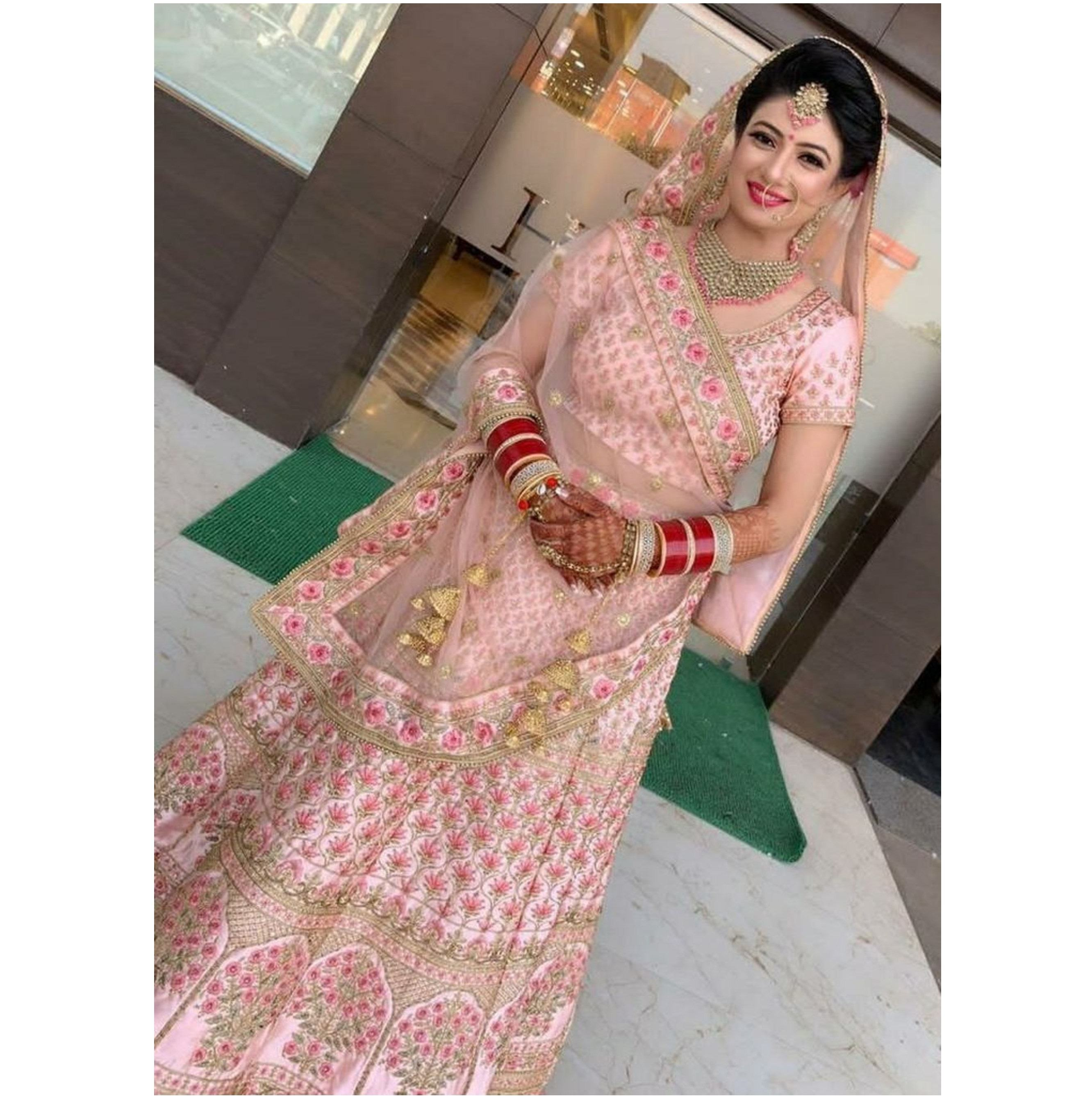 Lahenga Choli Wedding Party Wear Wedding Indiase Dames Vrouwen Dragen Borduurwerk En Stenen Werk Lahenga Blouse En Dupatta Set