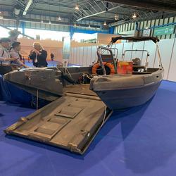 Pioner Multi work boat