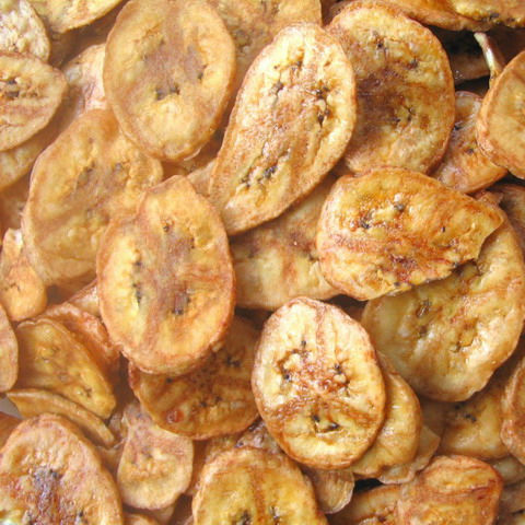 FRIED BANANA CHIPS CROSS CUT DRIED BANANA CARAMELIZED FRUIT CHIP SNACK THAILAND TASTY