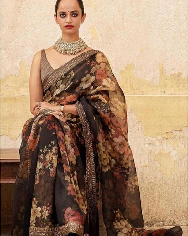 new designer organza unique saree with border work latest designs with high quality