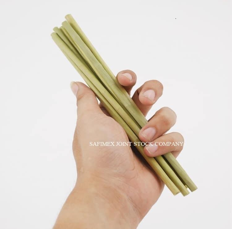NATURALLY PRODUCED ECO-FRIENDLY GRASS STRAWS