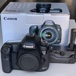 CANON E-O-S. 5D Mark IV DSLR Camera wIth all Accessories for Sale