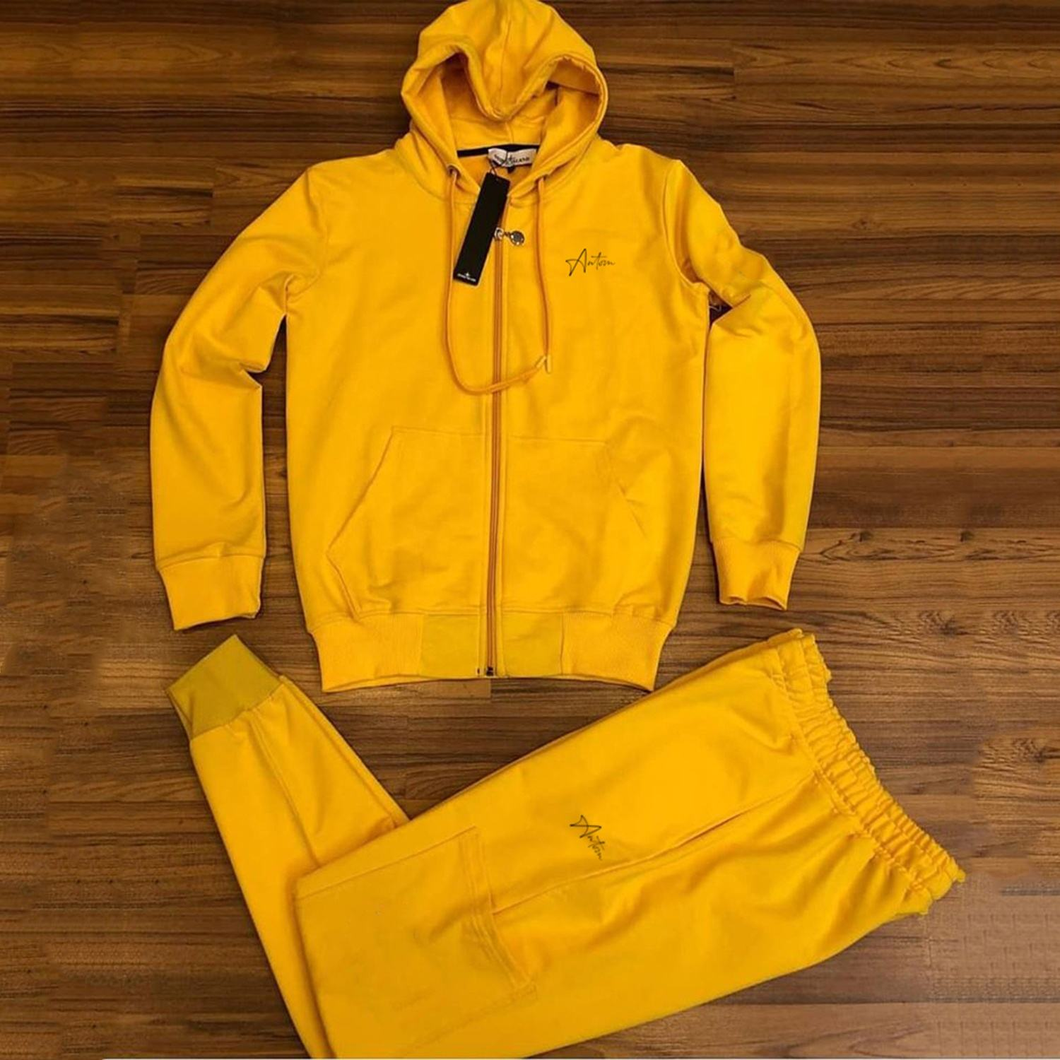 2020 Wholesale sweat suits sportswear men plain fitted tracksuit Made by Antom Enterprises