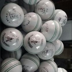 White Cricket Balls 4 Piece & 2 Piece Color Red & White Size Men 156gm