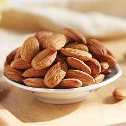 100% High Nutritious Almond Nuts / Raw Natural Almond Nuts / Organic Bitter Almonds