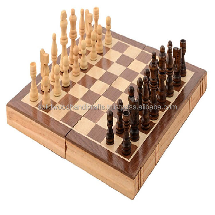 ANTIQUE PIECE OF WOODEN CHESS SET GAME ITEM