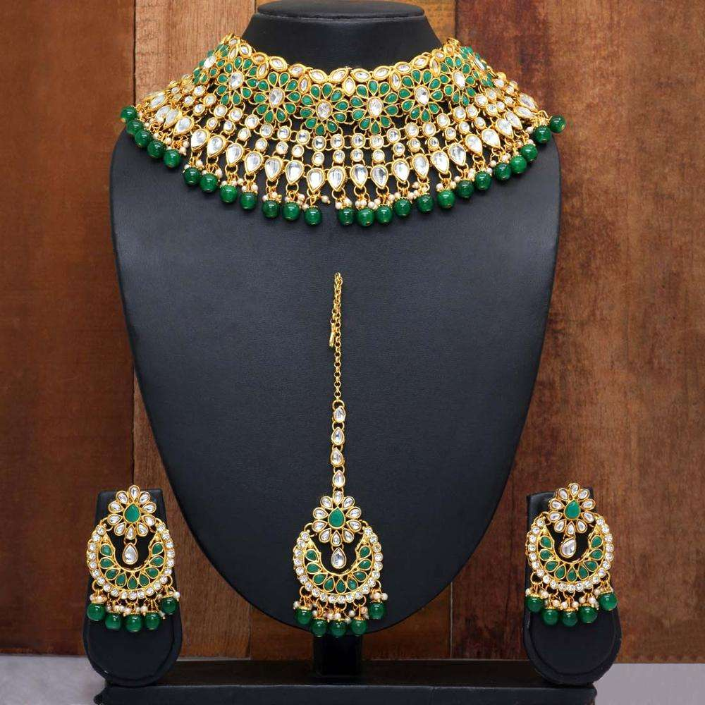 Eid Special Green Color Kundan Necklace With Earrings & Maang Tikka Necklace Set