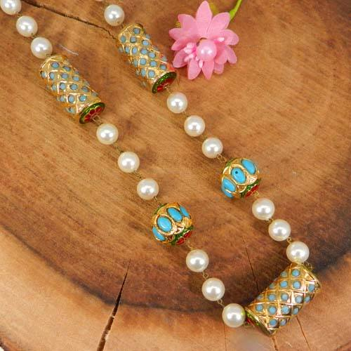 White Synthetic Turquoise Skull Beads Jewelry .A-GEM-TUR-145