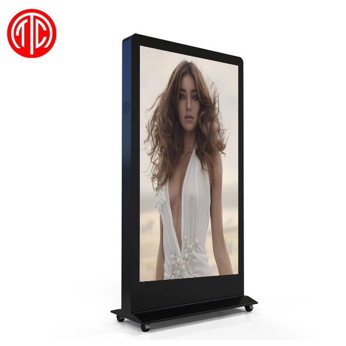 72 Inci Ukuran Besar IP65 2500 Nits Outdoor Mesin Iklan Digital Signage Kios Display LCD