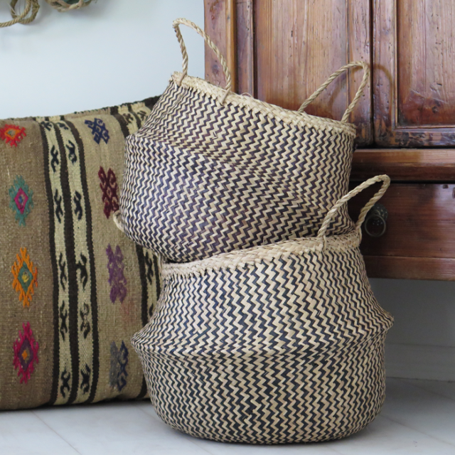 Natural belly seagrass woven basket with mixing colors