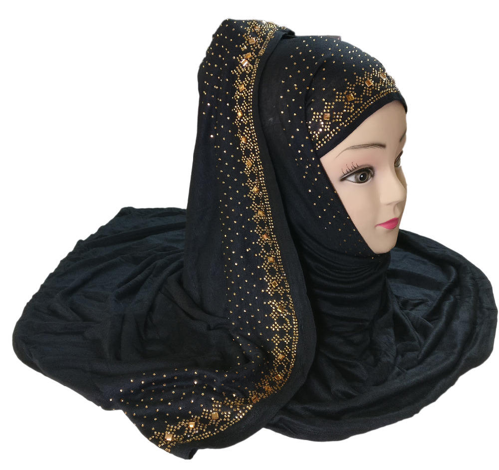 Black Color Hosiery Cotton Lycra Stole Scarf Hijab Designs 2017 / Dubai Stoles Scarf Designs / Islamic Wear Abaya Hijab 2017