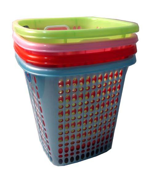 Sq. Plastic Basket Asst Colors 11x11