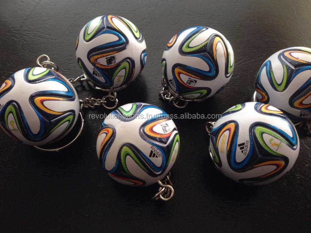 Mini soccer keychains at wholesale prices hot seller 2017