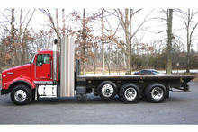8761 - 2009 KENWORTH T800; 20' FLATBED
