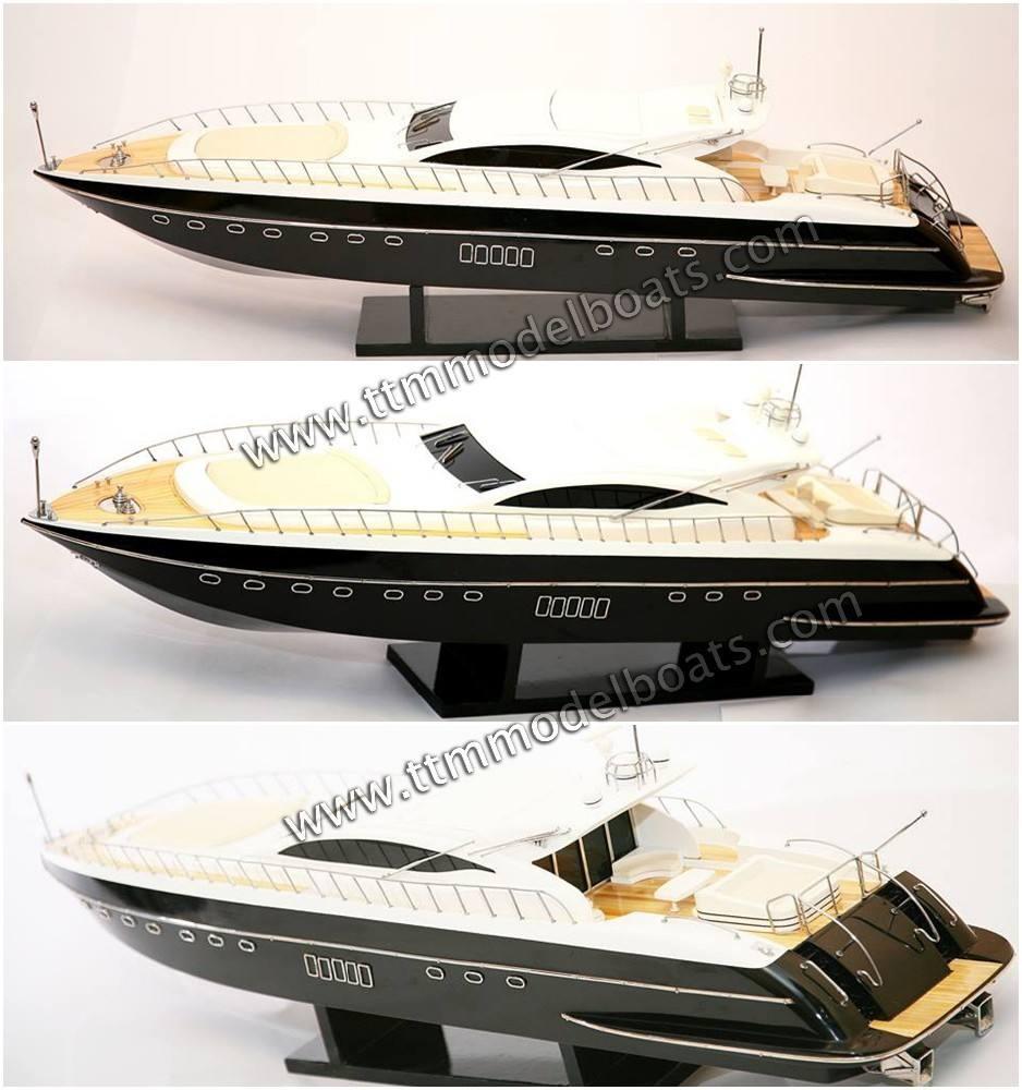 Mangusta 108 en bois moderne <span class=keywords><strong>Yacht</strong></span>