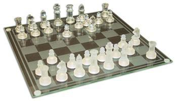 WOW GLASS CHESS SETS #027305