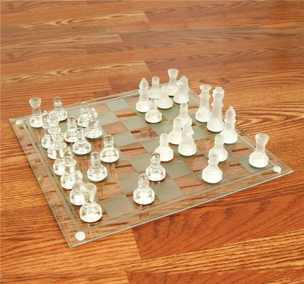 "14"" GLASS CHESS SET"