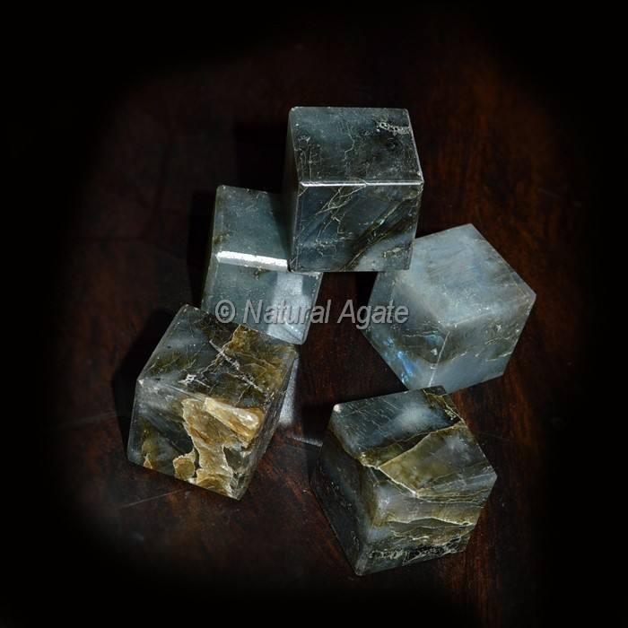 2016 Look naturel Labradorite Cubes