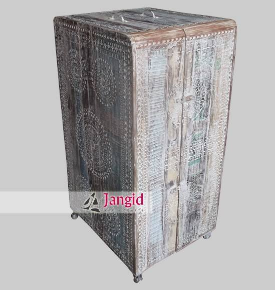 White washed movable reclaimed wooden wine box