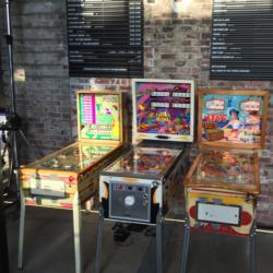 2 Screen Folding Pinball Machine with 410+ pinball games