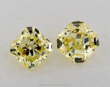 0.98 Matching pair Natural Diamonds Radiant Shape GIA Certificat Fancy Color Yellow