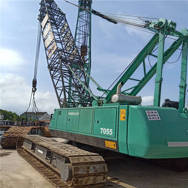 Used crane Kobelco7055 claw crane machine , 150 ton crane made in Japan for sale