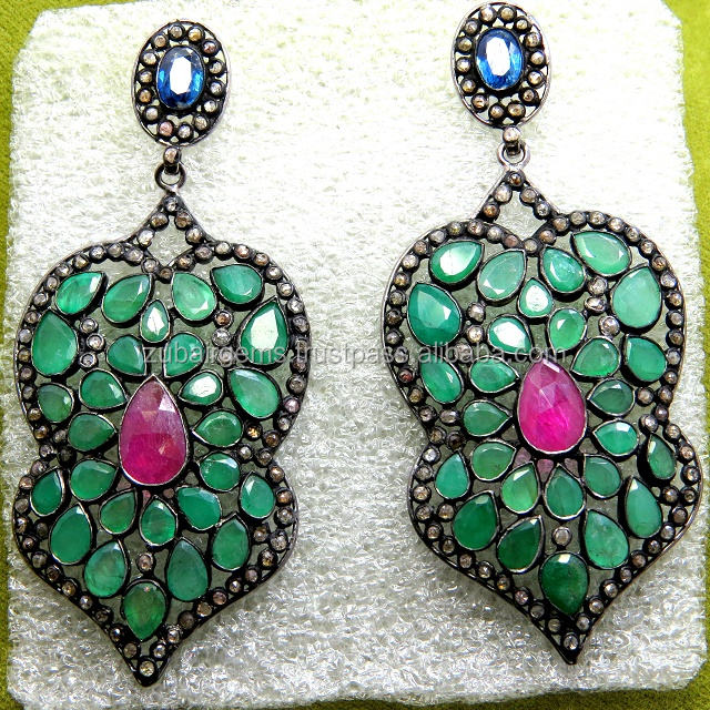 Brilliant Natural Emerald, Natural Ruby Sapphire & Natural Diamonds Earring Set 빅토리아 보석 Good Quality