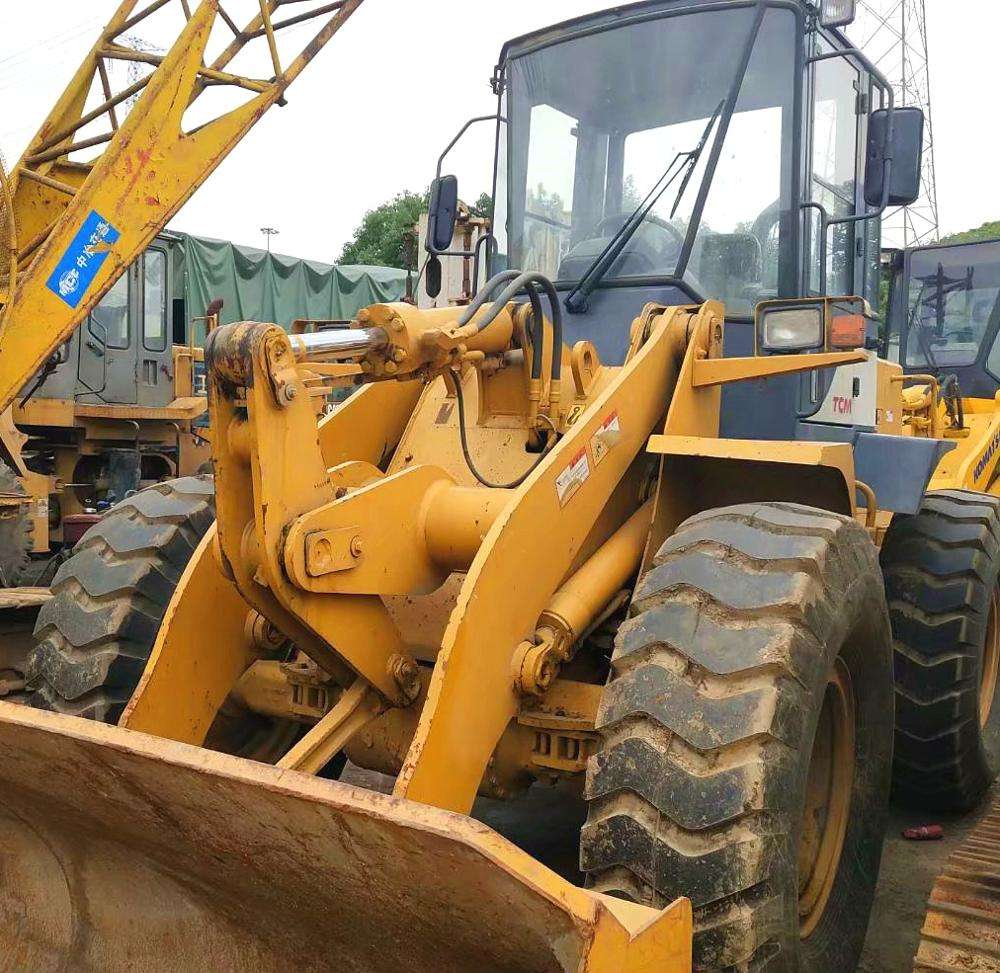 Used Heavy Equipment Japan TCM 835 Wheel Loader 830 for Sale