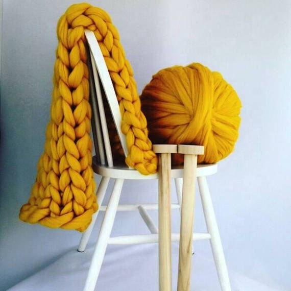 Giant thick fancy hand knitting yarn merino wool yarn super chunky yarn wool for blanket 66 s 21micron wool price free sample